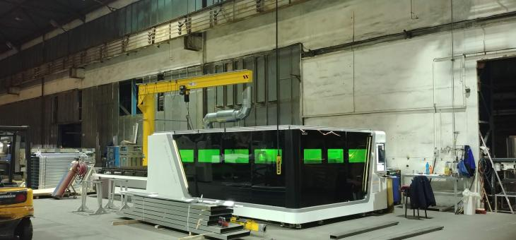 Sloupové jeřáby k novému CNC stroji